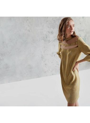 Yargıcı Yaka Detaylı Elbise Sarı